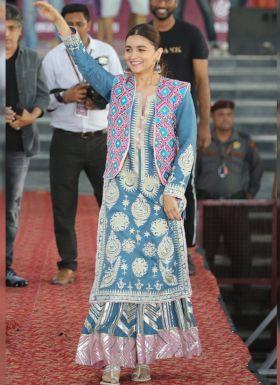Bollywood Actress Alia Bhatt Salwar Suit