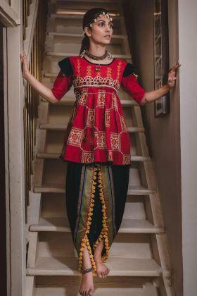 Ladies Half Sleeves Red Slub Cotton Designer Kedia For Navratri Season