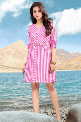 Looking Bold One-Piece In Pink And White Color With Lining Prints