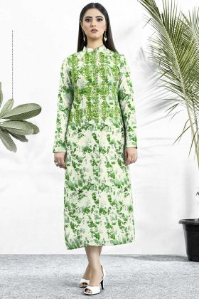 Muslin Stylish Kurti Digital Printed Work In Green Color