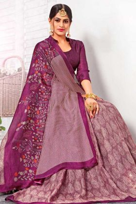 New Arrival Special Linen Silk Saree In Purple Color