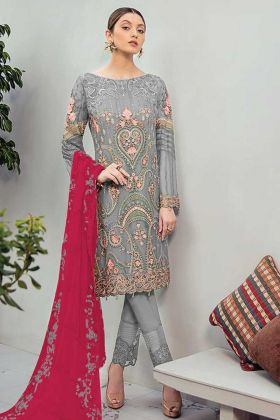 Pretty Looking In This Fancy Georgette Pakistani Suit In Grey Color