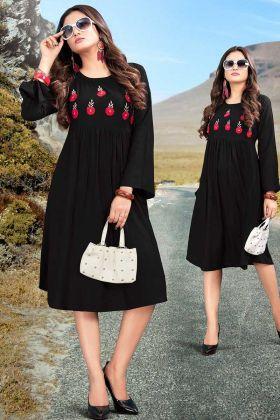 Thread Embroidery Work In Rayon Black Partywear Kurti