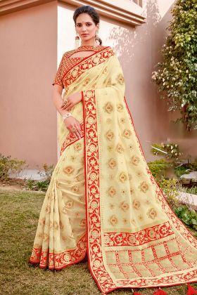 Women Cream Color Weaved Silk Paithani Saree